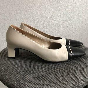 St. John leather two tone shoes 7.5 white black